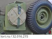 Купить «Willys MB (Виллис) - американский армейский автомобиль повышенной проходимости, вид сзади.Канистра,запаска,брезентовое ведро», фото № 32016215, снято 3 августа 2019 г. (c) александр афанасьев / Фотобанк Лори