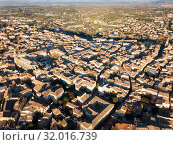 Aerial view of the french city of Carpentras. Provence, France (2019 год). Стоковое фото, фотограф Яков Филимонов / Фотобанк Лори