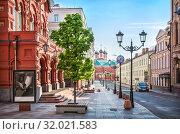 Купить «Театр Наций в Петровском переулке Red-brick Theater of Nations in Petrovsky Lane», фото № 32021583, снято 12 мая 2019 г. (c) Baturina Yuliya / Фотобанк Лори