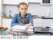 Купить «Girl tired of doing her homework», фото № 32038935, снято 27 сентября 2018 г. (c) Яков Филимонов / Фотобанк Лори