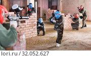 Купить «Teams on the paintball ground», фото № 32052627, снято 10 июля 2017 г. (c) Яков Филимонов / Фотобанк Лори