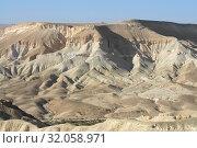 Fantastic landscape of Ein Avdat and Zin Valley. Negev, desert and semidesert region of southern Israel. Hot summer 2019. Стоковое фото, фотограф Валерия Попова / Фотобанк Лори