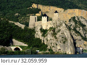 Купить «Fortress Golubac, entrance Iron Gate, Djerdap gorge, Danube, Serbia», фото № 32059959, снято 18 февраля 2020 г. (c) age Fotostock / Фотобанк Лори