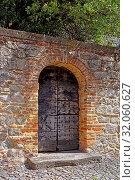 Mauer, Tür, historisch. Стоковое фото, фотограф Bernd J. W. Fiedler / age Fotostock / Фотобанк Лори