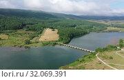 Купить «Picturesque landscape of Ebro river near Campoo de Enmedio, Cantabria, Spain», видеоролик № 32069391, снято 14 июля 2019 г. (c) Яков Филимонов / Фотобанк Лори