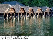 Die Bootshäuser an der Seelände am Königssee. Стоковое фото, фотограф RoHa-Fotothek Fürmann / age Fotostock / Фотобанк Лори