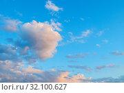 Купить «Небесный закатный пейзаж. Голубое небо. Blue sky background - picturesque pastel clouds lit by sunlight, picturesque sky view», фото № 32100627, снято 14 июня 2018 г. (c) Зезелина Марина / Фотобанк Лори