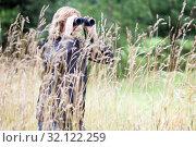 С биноклем на болоте. Стоковое фото, фотограф Кекяляйнен Андрей / Фотобанк Лори