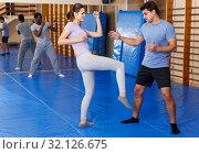 Купить «People practicing self defense techniques», фото № 32126675, снято 31 октября 2018 г. (c) Яков Филимонов / Фотобанк Лори