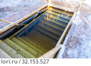Купить «Ice hole for traditional winter swimming at the river», фото № 32153527, снято 20 января 2019 г. (c) FotograFF / Фотобанк Лори