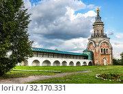 Купить «Candle tower in the Borisoglebsky Monastery in Torzhok, Russia», фото № 32170331, снято 8 июля 2018 г. (c) FotograFF / Фотобанк Лори