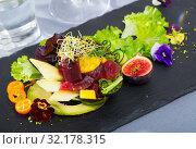 Купить «Salad of tuna with mango and avocado», фото № 32178315, снято 16 сентября 2019 г. (c) Яков Филимонов / Фотобанк Лори