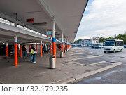 Купить «Южный автовокзал. Калининград. Россия», фото № 32179235, снято 3 сентября 2019 г. (c) E. O. / Фотобанк Лори