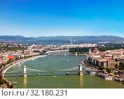 Вид сверху на Будапешт, парламент, реку Дунай, мосты. Венгрия (2012 год). Стоковое фото, фотограф Наталья Волкова / Фотобанк Лори