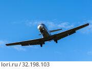 Купить «Российский пассажирский самолет Як-40К, бортовой номер RA-87947, в полете на фоне синего неба», фото № 32198103, снято 13 сентября 2019 г. (c) А. А. Пирагис / Фотобанк Лори