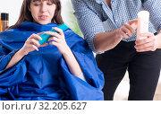 Купить «Man male hairdresser doing haircut for woman», фото № 32205627, снято 27 ноября 2017 г. (c) Elnur / Фотобанк Лори