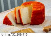 Купить «Tasty french goat cheese with pepper at wooden desk», фото № 32209915, снято 20 октября 2019 г. (c) Яков Филимонов / Фотобанк Лори