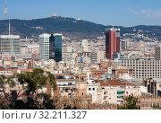 Купить «View of Barcelona downtown from hill Montjuic in sunny day», фото № 32211327, снято 21 января 2019 г. (c) Papoyan Irina / Фотобанк Лори