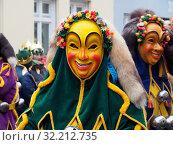 The Port-Fools (Hafennarren)are Figures of the Swabian-Alemannic Fasnet in Friedrichshafen (Germany) Стоковое фото, фотограф Zoonar.com/Tarabalu / age Fotostock / Фотобанк Лори