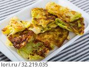 Купить «Cabbage fried in batter», фото № 32219035, снято 17 ноября 2019 г. (c) Яков Филимонов / Фотобанк Лори