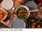 Thanksgiving dinner on the table at home . Стоковое фото, агентство Wavebreak Media / Фотобанк Лори