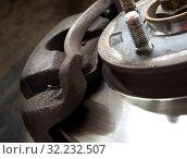 Суппорт дискового тормоза легкового автомобиля. Стоковое фото, фотограф Вячеслав Палес / Фотобанк Лори