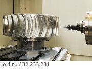 Купить «CNC milling machine work. cogwheel metalwork industry», фото № 32233231, снято 29 мая 2019 г. (c) Дмитрий Калиновский / Фотобанк Лори