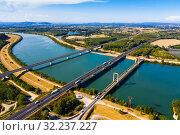 Купить «Three bridges near Roquemaure», фото № 32237227, снято 30 августа 2019 г. (c) Яков Филимонов / Фотобанк Лори