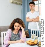Купить «Offended mother and teenage son», фото № 32256227, снято 5 июня 2020 г. (c) Яков Филимонов / Фотобанк Лори