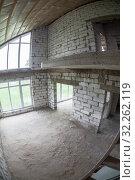 Купить «Second-level space with high windows from floor to ceiling, gas concrete block unfinished house», фото № 32262119, снято 29 мая 2016 г. (c) Кекяляйнен Андрей / Фотобанк Лори