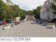 Купить «Синопская лестница в городе Севастополе, Крым», фото № 32279563, снято 24 июля 2019 г. (c) Николай Мухорин / Фотобанк Лори