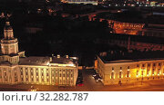 Aerial night view Kunstkamera and Rostral column (2019 год). Редакционное видео, видеограф Михаил Коханчиков / Фотобанк Лори