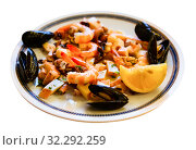 Купить «Frittura di mare - plate with various seafood. Italian food», фото № 32292259, снято 13 ноября 2019 г. (c) Яков Филимонов / Фотобанк Лори