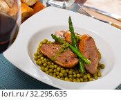Купить «Duck breast with vegetables. Healthy dinner», фото № 32295635, снято 22 октября 2019 г. (c) Яков Филимонов / Фотобанк Лори