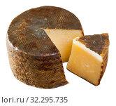 Купить «Spanish sheep cheese – Manchego», фото № 32295735, снято 6 апреля 2020 г. (c) Яков Филимонов / Фотобанк Лори