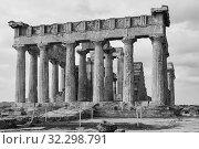 Купить «Ancient Temple of Aphaea in Aegina», фото № 32298791, снято 13 сентября 2019 г. (c) Роман Сигаев / Фотобанк Лори