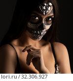 Купить «Woman with smart artistic makeup in horror style», фото № 32306927, снято 28 октября 2016 г. (c) Гурьянов Андрей / Фотобанк Лори