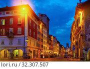 Купить «Nettuno Fountain in Duomo square and Civic tower. Trento. Italy», фото № 32307507, снято 1 сентября 2019 г. (c) Яков Филимонов / Фотобанк Лори