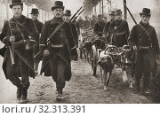 Купить «Dogs used to pull the machine guns of the Belgian army during WWI. From The Pageant of the Century, published 1934.», фото № 32313391, снято 22 октября 2019 г. (c) age Fotostock / Фотобанк Лори