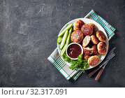 Купить «overhead view of fried Polish Meat cakes», фото № 32317091, снято 20 июля 2019 г. (c) Oksana Zh / Фотобанк Лори
