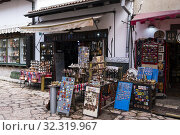 Souvenir shop, Bascarsija, Sarajevo, Bosnia and Herzegovina. Стоковое фото, фотограф Peter Erik Forsberg / age Fotostock / Фотобанк Лори