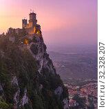 Купить «Guaita fortress in San Marino», фото № 32328207, снято 26 сентября 2019 г. (c) Коваленкова Ольга / Фотобанк Лори