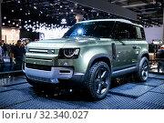 Купить «Land Rover Defender», фото № 32340027, снято 17 сентября 2019 г. (c) Art Konovalov / Фотобанк Лори