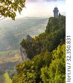 Купить «Montale tower in San Marino», фото № 32350831, снято 26 сентября 2019 г. (c) Коваленкова Ольга / Фотобанк Лори