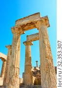 Купить «Columns of Temple of Aphaea in Aegina Island, Saronic Islands, Greece - Architectural detail», фото № 32353307, снято 13 сентября 2019 г. (c) Роман Сигаев / Фотобанк Лори
