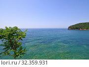 Купить «Beautiful water in shallow water in Mediterranean Sea near Montenegro», фото № 32359931, снято 13 июня 2019 г. (c) Володина Ольга / Фотобанк Лори