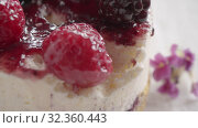 Купить «Eating delicious restaurant dessert with glazed berries», видеоролик № 32360443, снято 14 июля 2020 г. (c) Данил Руденко / Фотобанк Лори