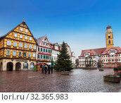 Рыночная площадь во время рождественских праздников в Бад-Мергентхайме. Бавария, Германия (2012 год). Редакционное фото, фотограф Наталья Волкова / Фотобанк Лори
