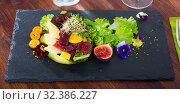 Купить «Tuna salad with avocado and mango», фото № 32386227, снято 27 января 2020 г. (c) Яков Филимонов / Фотобанк Лори