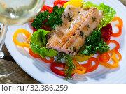 Купить «Fried trout fillets with vegetables and white wine», фото № 32386259, снято 4 августа 2020 г. (c) Яков Филимонов / Фотобанк Лори